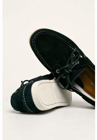 TOMMY HILFIGER - Tommy Hilfiger - Mokasyny skórzane. Nosek buta: okrągły. Zapięcie: sznurówki. Kolor: niebieski. Materiał: skóra
