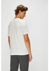 Biały t-shirt Puma z nadrukiem, na co dzień, z okrągłym kołnierzem, casualowy