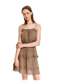 TOP SECRET - Sukienka mini z falbankami. Typ kołnierza: kołnierz z falbankami. Kolor: beżowy. Materiał: dzianina. Długość rękawa: na ramiączkach. Typ sukienki: koszulowe. Długość: mini