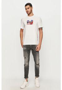 Biały t-shirt Diesel na co dzień, z nadrukiem