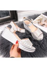 Srebrne sandały Sergio Leone