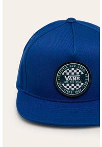 Niebieska czapka z daszkiem Vans z aplikacjami