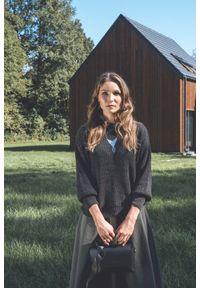 VEVA - Antracytowy Sweter Oversize Journey. Kolor: szary. Materiał: wełna, jeans. Sezon: lato. Styl: sportowy
