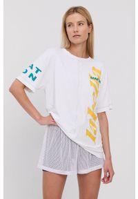 LABELLAMAFIA - LaBellaMafia - T-shirt. Kolor: biały. Wzór: nadruk