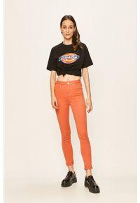 Lee - Jeansy. Kolor: pomarańczowy