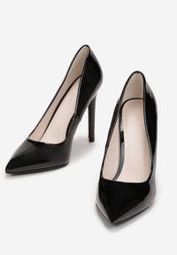 Born2be - Czarne Szpilki Melona. Nosek buta: szpiczasty. Kolor: czarny. Materiał: lakier. Szerokość cholewki: normalna. Obcas: na szpilce. Wysokość obcasa: wysoki