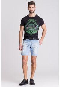 Czarny t-shirt Versace Jeans w kolorowe wzory