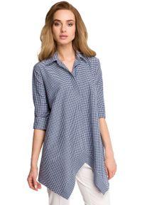MOE - Asymetryczna Luźna Koszula w Granatową Drobną Kratkę. Kolor: niebieski. Materiał: poliester, wiskoza, elastan. Wzór: kratka