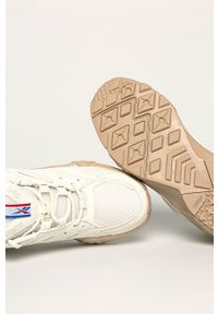 Białe buty sportowe Reebok Classic z okrągłym noskiem, z cholewką, na obcasie, na średnim obcasie