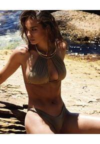 BEACH BUNNY - Złoty top od bikini Madison. Kolor: złoty. Materiał: materiał. Wzór: aplikacja