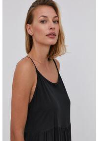 Answear Lab - Sukienka. Kolor: czarny. Materiał: materiał. Długość rękawa: na ramiączkach. Typ sukienki: rozkloszowane. Styl: wakacyjny