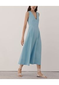 Marella - MARELLA - Błękitna sukienka midi. Kolekcja: dla wysokich. Kolor: niebieski. Materiał: tkanina, bawełna. Wzór: gładki, ażurowy. Typ sukienki: proste, rozkloszowane. Styl: wizytowy, elegancki. Długość: midi