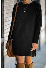 Czarna tunika IVET w kolorowe wzory, na zimę