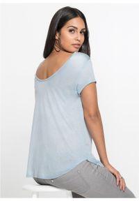 Shirt z głębokim dekoltem z tyłu bonprix Shirt pudrowy niebieski. Kolor: fioletowy. Długość rękawa: krótki rękaw. Długość: krótkie