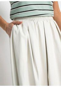 Spódnica ze sztucznej skóry bonprix biały. Kolor: beżowy. Materiał: skóra