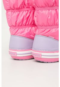 Różowe buty zimowe Crocs z okrągłym noskiem, z cholewką