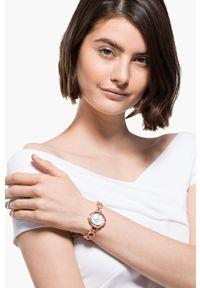 Swarovski - Zegarek CRYSTAL FLOWER. Materiał: materiał