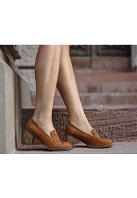 Brązowe półbuty Zapato w kolorowe wzory, wąskie