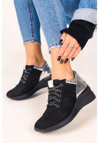 Casu - Czarne sneakersy casu buty sportowe sznurowane na koturnie polska skóra 420. Kolor: srebrny, czarny, wielokolorowy. Materiał: skóra. Obcas: na koturnie