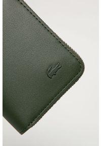 Zielony portfel Lacoste