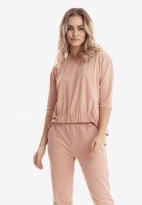 Born2be - Jasnoróżowa Bluzka Badura Dioseithe. Okazja: na co dzień. Kolor: różowy. Materiał: bawełna, elastan. Długość: długie. Styl: sportowy, klasyczny, casual