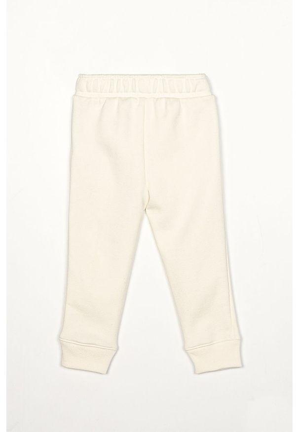Białe spodnie dresowe GAP casualowe, na co dzień