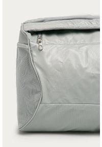Szara torba podróżna Nike z nadrukiem