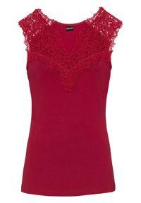 Shirt z koronką bonprix czerwony. Kolor: czerwony. Materiał: koronka. Długość rękawa: bez rękawów. Wzór: koronka