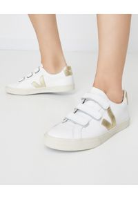 Veja - VEJA - Skórzane sneakersy Esplar. Zapięcie: pasek. Kolor: biały. Materiał: skóra. Wzór: napisy, paski, aplikacja
