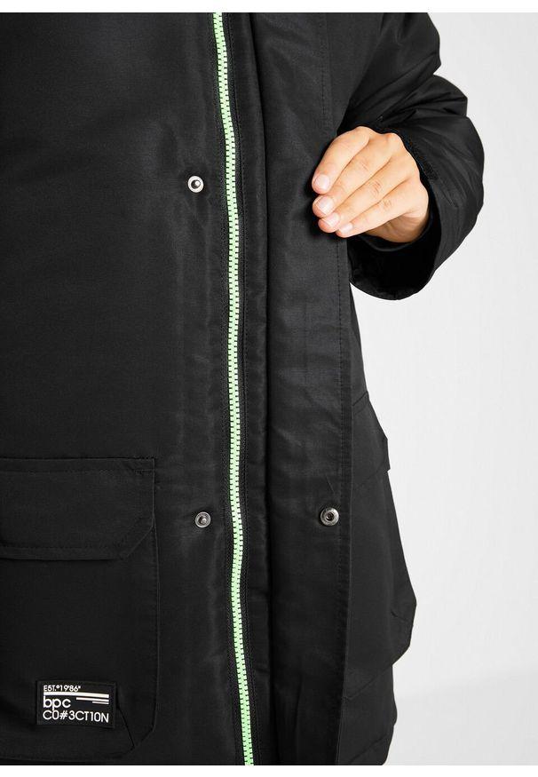 Czarna kurtka bonprix z napisami, na zimę, z kapturem