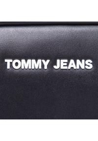 Tommy Jeans - Torebka TOMMY JEANS - Tjw Femme Pu Crossover AW0AW08959 BDS. Kolor: czarny. Materiał: skórzane. Styl: klasyczny. Rodzaj torebki: na ramię