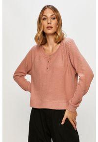 Roxy - Sweter. Kolor: różowy. Materiał: materiał. Długość rękawa: długi rękaw. Długość: krótkie