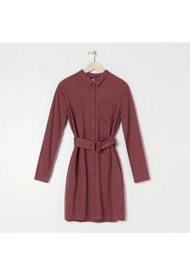 Sinsay - Sukienka z paskiem - Fioletowy. Kolor: fioletowy