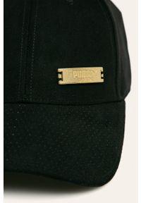 Czarna czapka z daszkiem Puma z aplikacjami