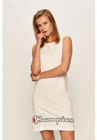 Biała sukienka Champion na co dzień, z nadrukiem