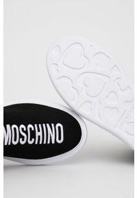 Love Moschino - Buty. Nosek buta: okrągły. Kolor: czarny. Materiał: guma. Obcas: na platformie