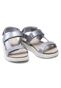Srebrne sandały ecco na lato