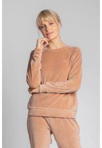 MOE - Pluszowa Bluza Haftem - Beżowa. Kolor: beżowy. Materiał: bawełna, poliester. Wzór: haft