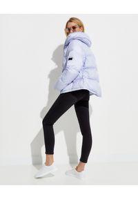 YVES SALOMON PARIS - Liliowa kurtka puchowa. Kolor: różowy, fioletowy, wielokolorowy. Materiał: puch. Długość rękawa: długi rękaw. Długość: długie. Wzór: aplikacja