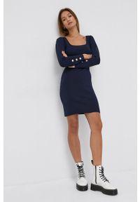 Silvian Heach - Sukienka. Kolor: niebieski. Materiał: dzianina. Długość rękawa: długi rękaw. Wzór: gładki. Typ sukienki: dopasowane