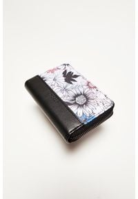 MOODO - Portfel w kwiaty. Materiał: skóra ekologiczna. Wzór: kwiaty