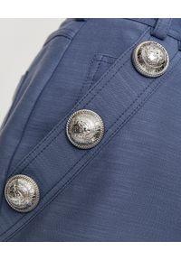 Balmain - BALMAIN - Niebieskie spodenki z guzikami. Okazja: do pracy. Kolor: niebieski. Materiał: materiał. Wzór: aplikacja. Styl: elegancki