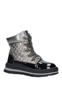 Srebrne buty zimowe Casu