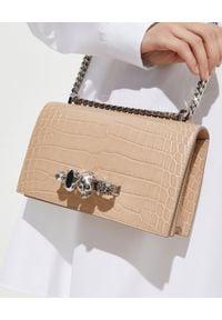 Alexander McQueen - ALEXANDER MCQUEEN - Beżowa torebka z pierścieniami. Kolor: beżowy. Wzór: aplikacja. Materiał: zdobione, z tłoczeniem. Rodzaj torebki: na ramię
