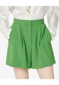 Kenzo - KENZO - Krótkie zielone spodenki. Kolor: zielony. Materiał: satyna. Długość: krótkie. Sezon: lato. Styl: elegancki