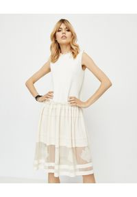 Biała sukienka mini Alexander McQueen na randkę, z aplikacjami, elegancka