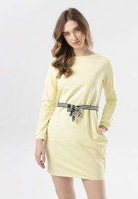 Born2be - Żółta Sukienka Larainey. Kolor: żółty