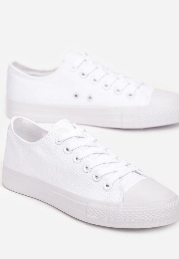 Białe trampki Renee
