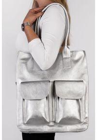 Arturo Vicci - Torebka srebrna. Kolor: srebrny, wielokolorowy, szary. Materiał: skórzane. Rodzaj torebki: na ramię