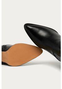 Czarne botki Answear Lab na obcasie, wakacyjne